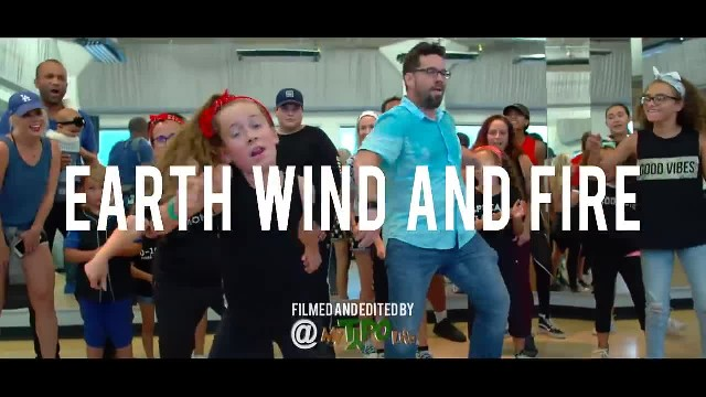 Parents attend dance class with their kids – stun everyone with epic dance routine that's going vira
