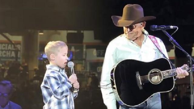 George Strait's grandson joins him on stage at RodeoHouston for