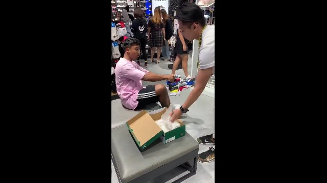 JD SPORTS EMPLOYEE GETS PAY RISE AFTER HILARIOUS PRANK GOES WRONG