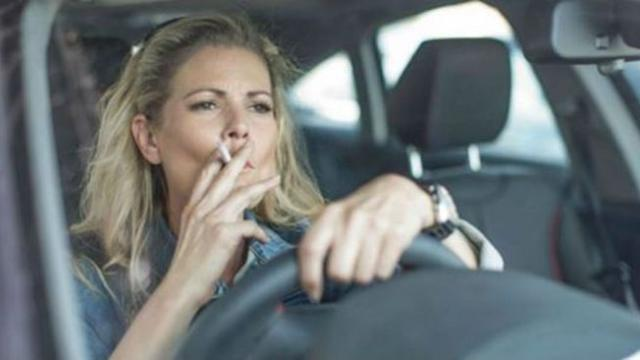 Government bans smoking in cars with children