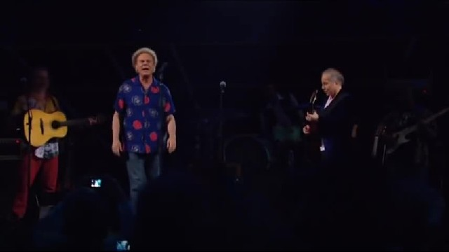 After Years Of Silence Between Them Audience Erupts When Garfunkel Confronts Simon Onstage