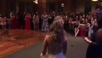 Popular high schooler steps down so autistic classmate can win prom king