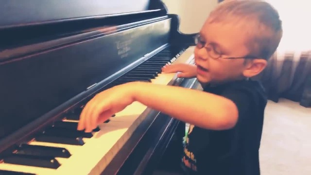 Blind kid who taught himself how to play piano and guitar becomes an internet sensation